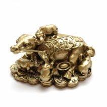 Familie de bivoli cu sirag de monede, remediu Feng Shui pentru bani, bunastare si prosperitatea
