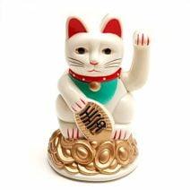 Pisica norocoasa Maneki Neko alba, Remediu Feng Shui pentru atractia prospeitatii si bunastarii