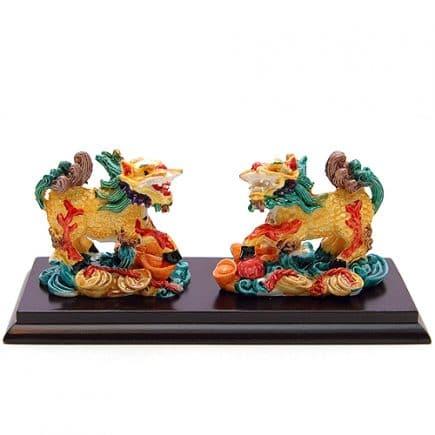 Pereche de Chi Lin colorati pe suport, Remediu Feng Shui pentru bunastare si protectie
