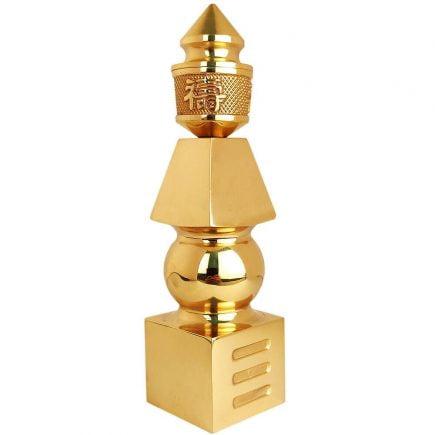 Pagoda celor cinci elemente din metal aurit