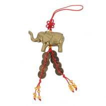 Amuleta cu elefant si monede
