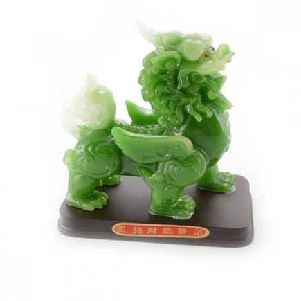 Chi Lin din praf de jad pe suport, remediu Feng Shui pentru protectie si bunastare