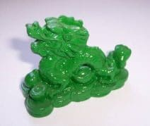 Dragon cu perla nemuririi verde, remediu feng shui pentru bunastare si succes