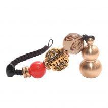 Amuleta Breloc cu Wu Lou din metal auriu si silaba de sanatate